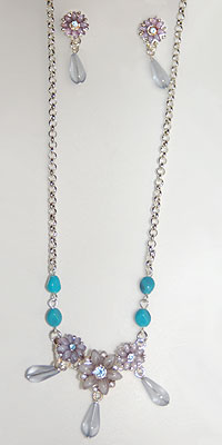 Flower Power Necklace and Earrings Set